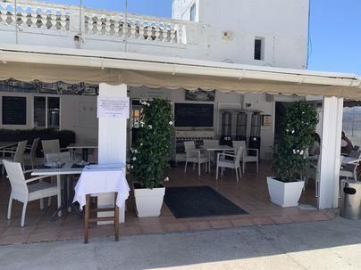 El club náutico del Molinar no cerrará su restaurante hasta que la decisión judicial sea firme