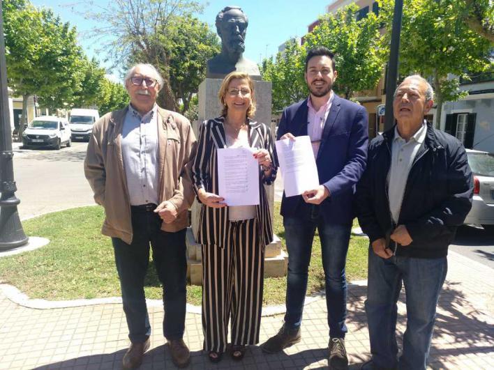 Coia Sugrañes promete defender el menorquín si el PP recupera el Consell