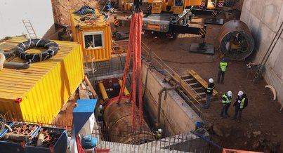 Inician la excavación de un nuevo tramo del colector de aguas residuales