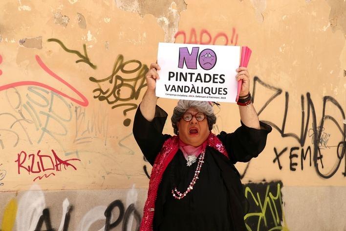 Madó Pereta contra los graffitis:
