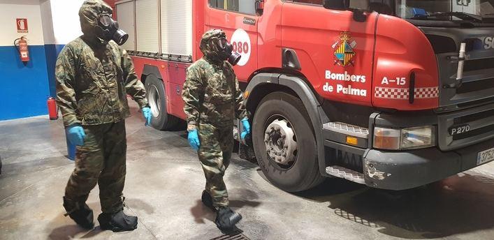 El Ejército desinfecta instalaciones estratégicas de Mallorca