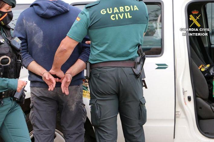 Tres detenidos por obligar a prostituirse a una mujer en Alcúdia
