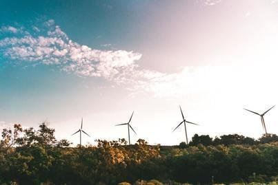 CaixaBank invierte 2.400 millones en energías renovables