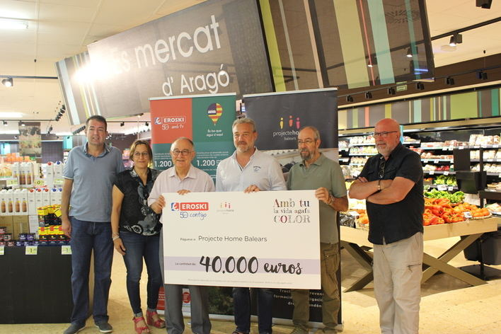 Eroski entrega 40.000 euros a Proyecto Hombre recaudados en su anual campaña solidaria