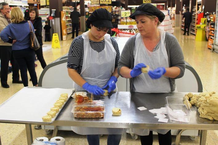 Eroski y Govern presentan la campaña para consumir productos de Semana Santa