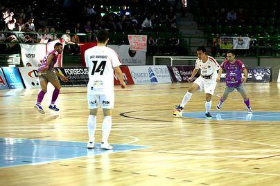El Palma Futsal vence en Segovia y sigue en liza por la cuarta plaza