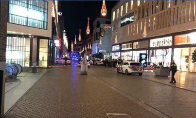 Un desconocido apuñala a tres personas en una de las calles más comerciales de La Haya