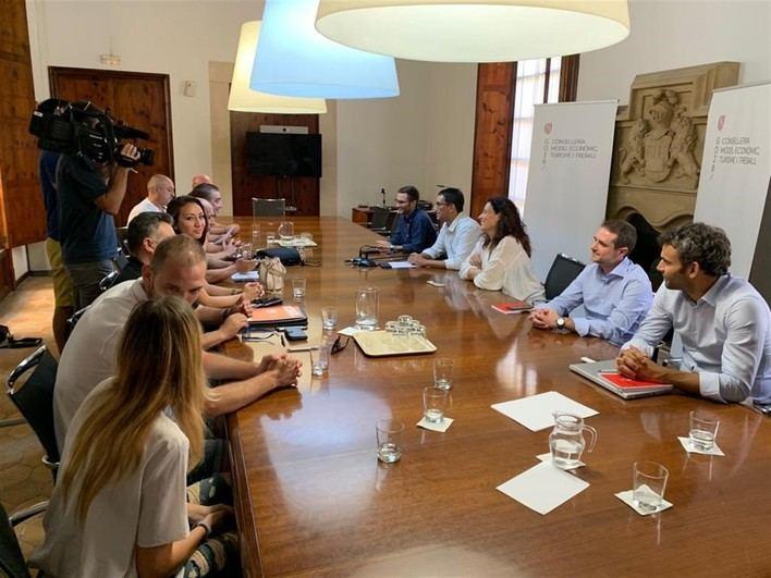 Desconvocada la huelga en el control de pasaportes del aeropuerto de Palma