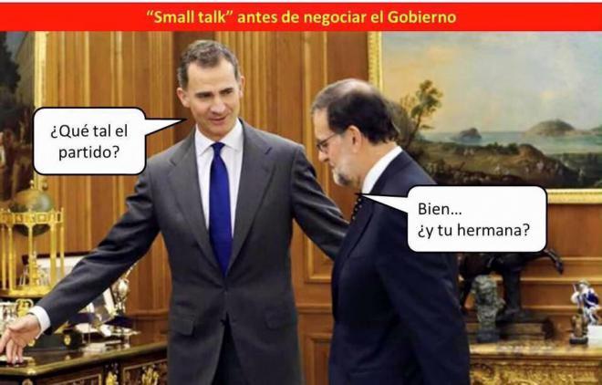 El saludo de cortes�a entre el Rey y Rajoy