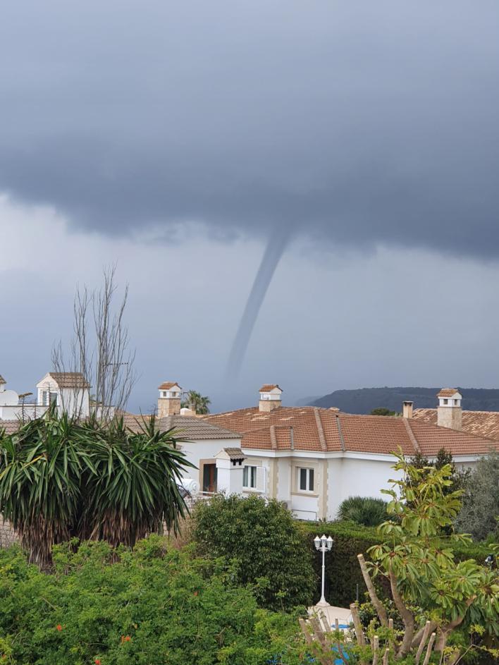 Lluvia, tormenta y un cap de fibló este domingo de confinamiento en Mallorca