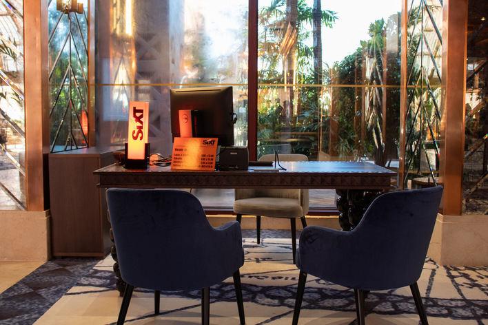Sixt llega a Benidorm, instalado en el hotel más alto de Europa