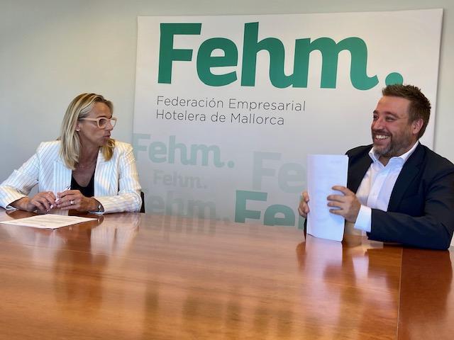 Acuerdo para facilitar que los hoteles de Mallorca obtengan el certificado