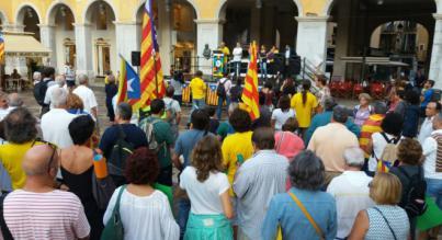 """El alcalde Noguera coincide con el final del acto de apoyo a la """"república catalana"""" en Palma"""