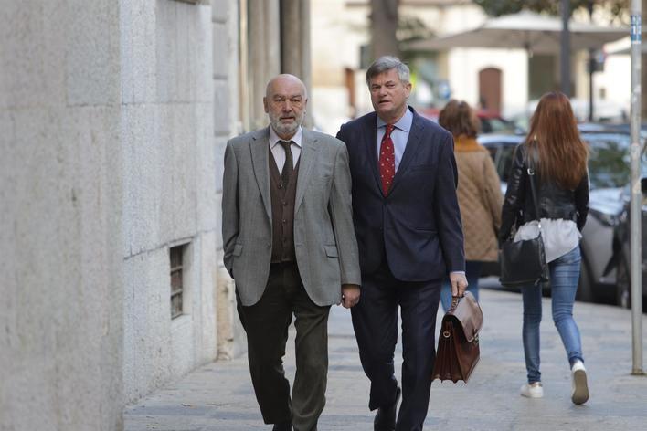 El juicio al juez Florit por requisar móviles a periodistas se celebra el jueves