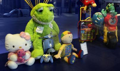 Obsequios de Reyes Magos para niños de familias sin recursos