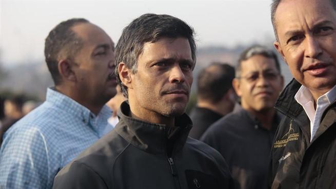 Leopoldo López y su familia se refugian en la embajada de España en Venezuela