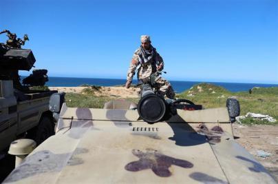 Los combates se recrudecen en Libia para conquistar la capital