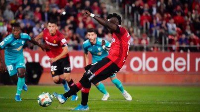El Mallorca no logra pasar del empate ante el Osasuna (2-2)