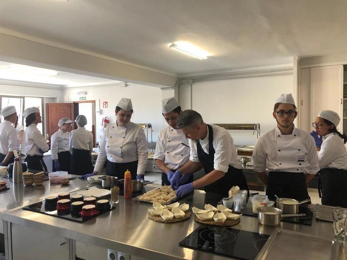 La sede de la Escuela de Turismo de Baleares en Manacor inaugura la escuela de cocina