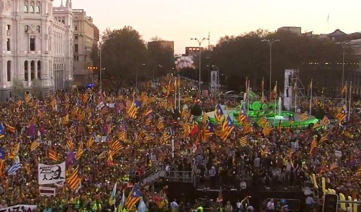Independentistas de Baleares en la masiva manifestación contra el juicio del 'procés'