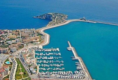 Clausuran una fiesta ilegal en Ibiza con 150 personas