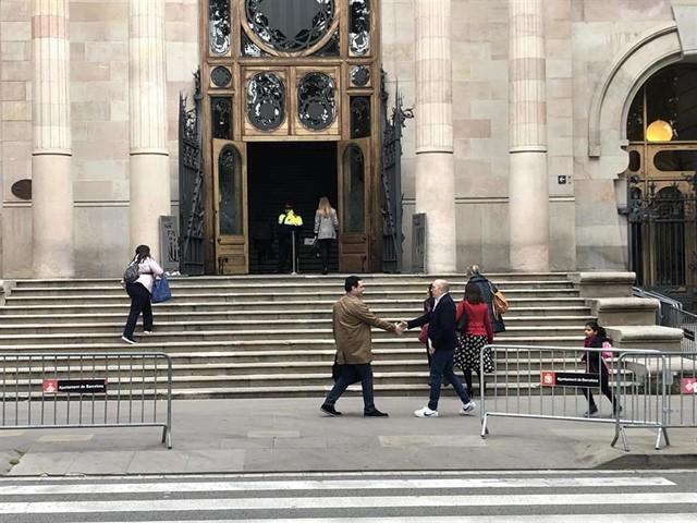 Condenan a 21 años de cárcel el exprofesor que abusó de cuatro alumnos en Barcelona