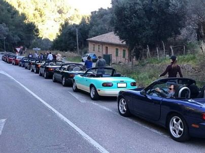 Organizan la I Volta a Mallorca del vehículo de época Mazda MX-5