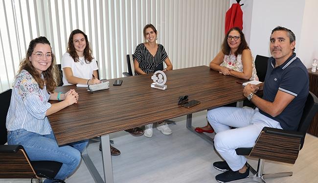 Estudiantes de Medicina se reúnen con el Col·legi de Metges para buscar acuerdos de cooperación
