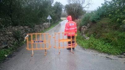 Nueve carreteras cortadas en el Coll de Sóller, Campos y el Pla por la lluvia