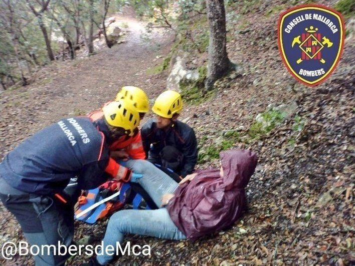 Rescatada a una mujer de unos 60 años tras lesionarse cuando cogía setas en Valldemossa