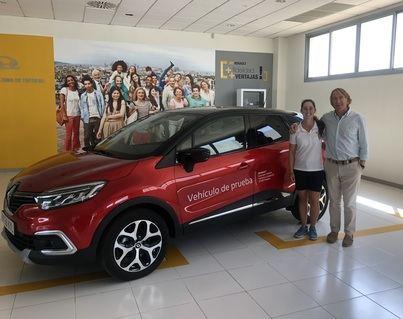 Renault Llucmajor patrocina a la golfista mallorquina Nuria Iturrioz