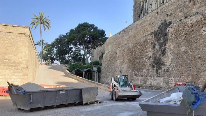 Cort refuerza el alumbrado en monumentos y barrios de Palma