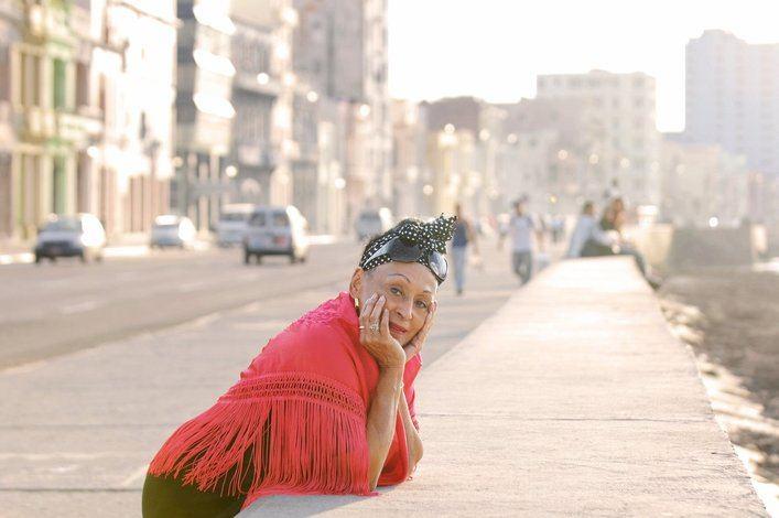 Omara Portuondo cancela su concierto de julio en el Teatre Principal por el COVID-19