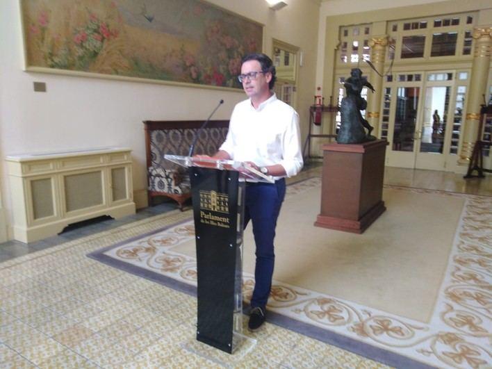 La oposición acusa al Govern de 'bloquear' la comparecencia de Armengol el próximo pleno