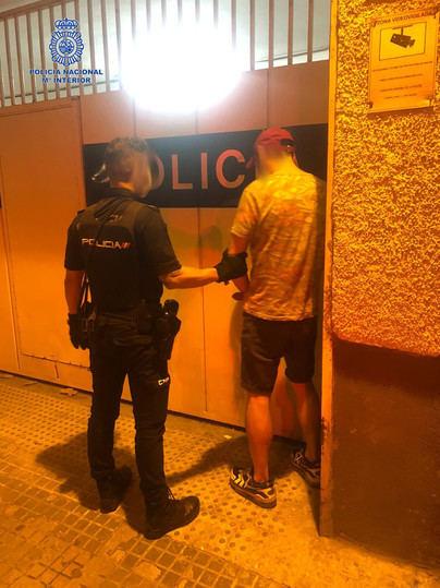 Detenido por amenazar a los clientes de un bar de Bons Aires con un revólver