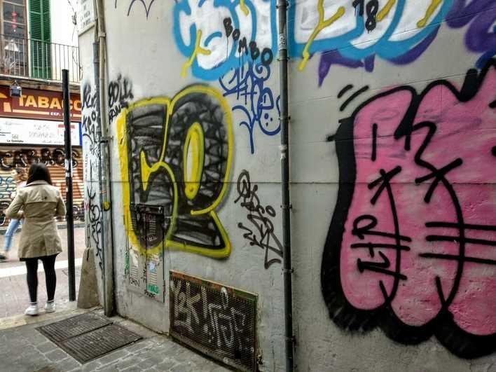 Arca insta a eliminar las pintadas de todas las calles de Palma