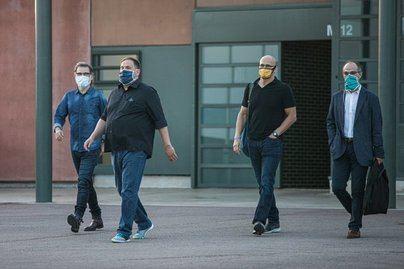 Los presos independentistas del 1-O salen de la cárcel por primera vez con semilibertad