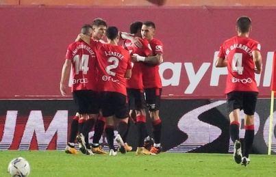 Mallorca y Sporting se ven las caras con el liderato a mano