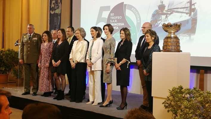 La reina Sofía preside la gala del 50 aniversario de la regata que lleva su nombre