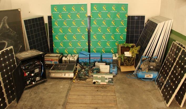 Cuatro detenidos por robar 47 placas solares en Santanyí y Felanitx