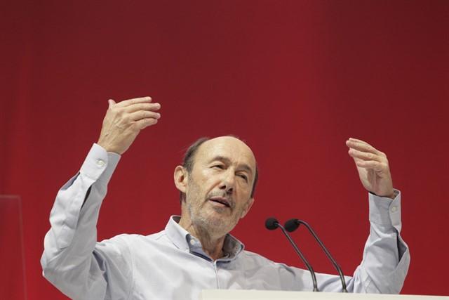 Conmoción política tras el fallecimiento de Pérez Rubalcaba