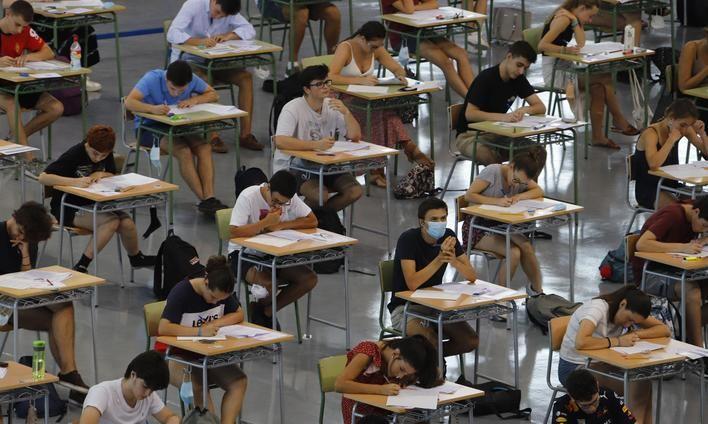 967 alumnos se examinan de Selectividad en Baleares con medidas de seguridad sanitaria
