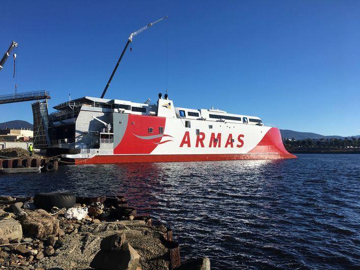 Armas Trasmediterránea pone a flote el fast ferry más avanzado del mundo