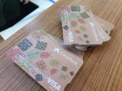 Este lunes empiezan a repartirse las tarjetas prepago de ayudas de comedor