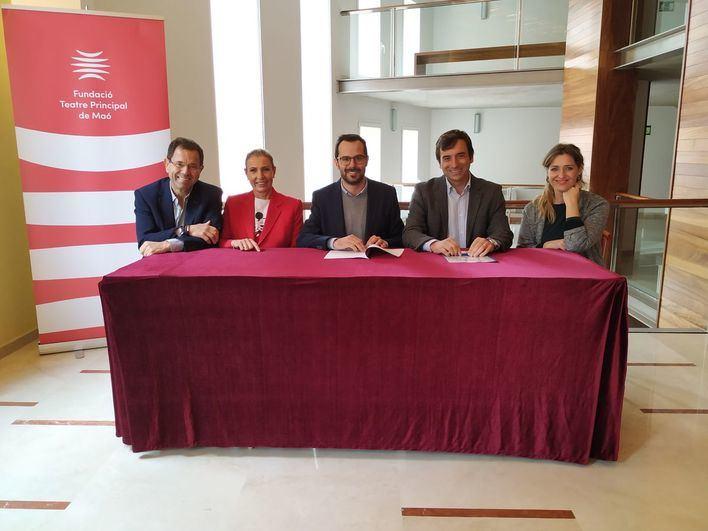 Armas Trasmediterránea renueva su colaboración con el Teatro Principal de Mahón
