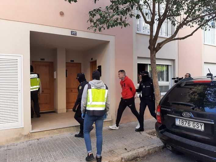 La operación contra la United Tribuns acaba con 16 detenidos y un laboratorio desmantelado