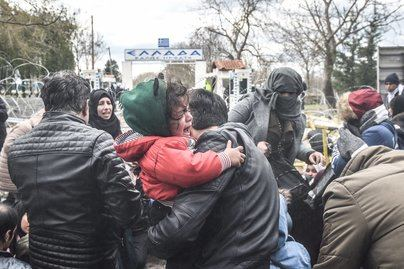Miles de migrantes entran en Europa tras abrir Turquía su frontera