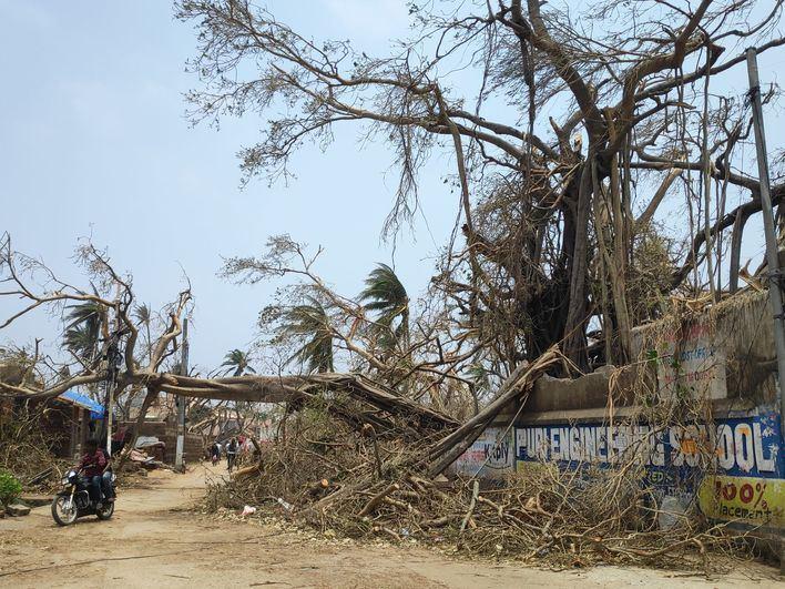 Aumenta a 64 el número de fallecidos por el ciclón 'Fani' en el este de India