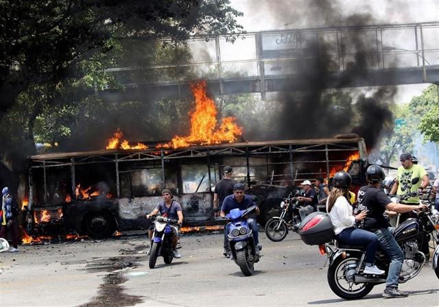 Un muerto y más de 100 heridos en la 'Operación Libertad' contra Maduro en Venezuela