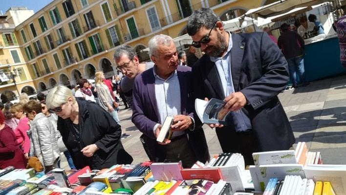 VOX plantea premios literarios en Baleares 'bilingües en balear y español'